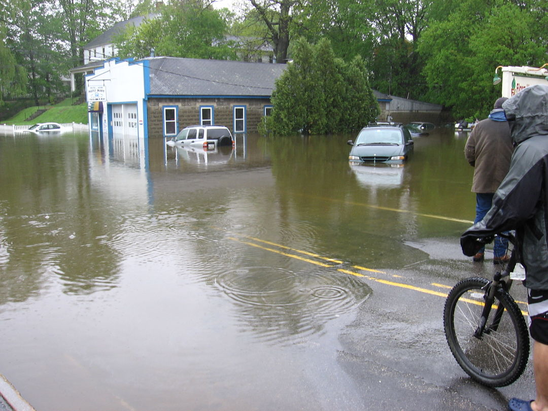 Newmarket flood (credit: Rob Roseen)