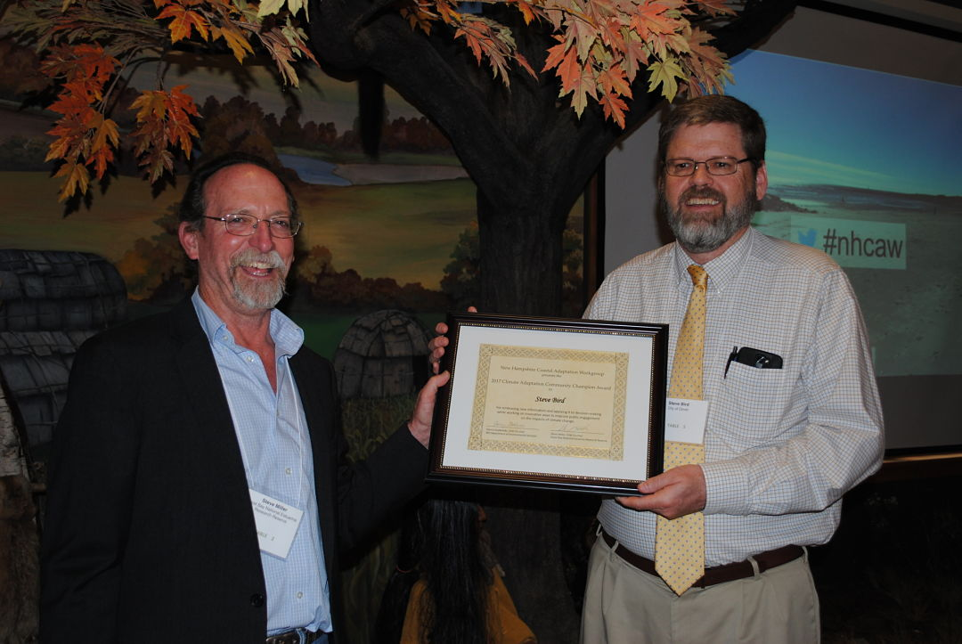 Steve Miller receiving Climate Champion Award